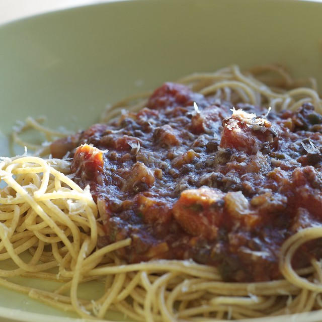 spaghetti with beluga marinara sauce