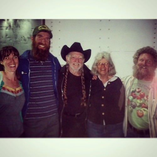 Last night in Bangor, Maine, Willie met with Maine farmers who are members of Farm Aid's partner #MOFGA.