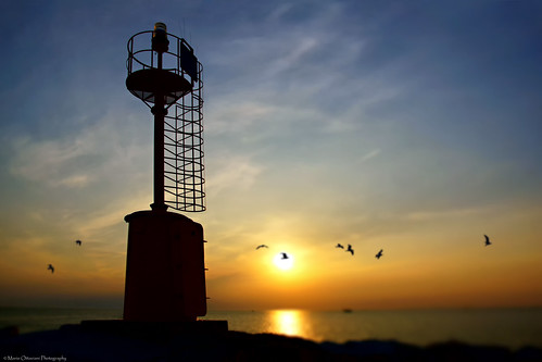 sea italy lighthouse backlight sunrise faro photography dawn mirror photo reflex flickr italia mare foto photographie minolta sony picture translucent konica fotografia alpha controluce specchio a77 fotografía minoltamount 1735 gabicce traslucido sonyalpha minoltaaf alphamount sonya77 slta77 sonyslta77 sonyslta77v slta77v marioalpha marioottaviani