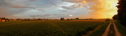 light sunset sky italy panorama nature colors night clouds spectacular landscape countryside europa europe italia tramonto nuvole view earth path natura campagna vista fields modena paysage sentiero colori notte luce paesaggio spettacolo emiliaromagna aftersunset campi spettacolare changinglight