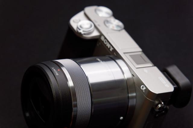 α6000 Silver / E 30mm F3.5 Macro