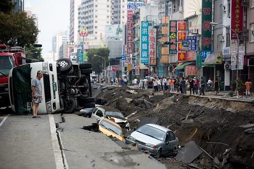 731高雄氣爆現場,林清華攝。