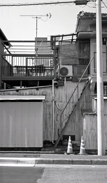 Very steep stairs (One scene of commuting 2014/07 No.20 taken by film camera).