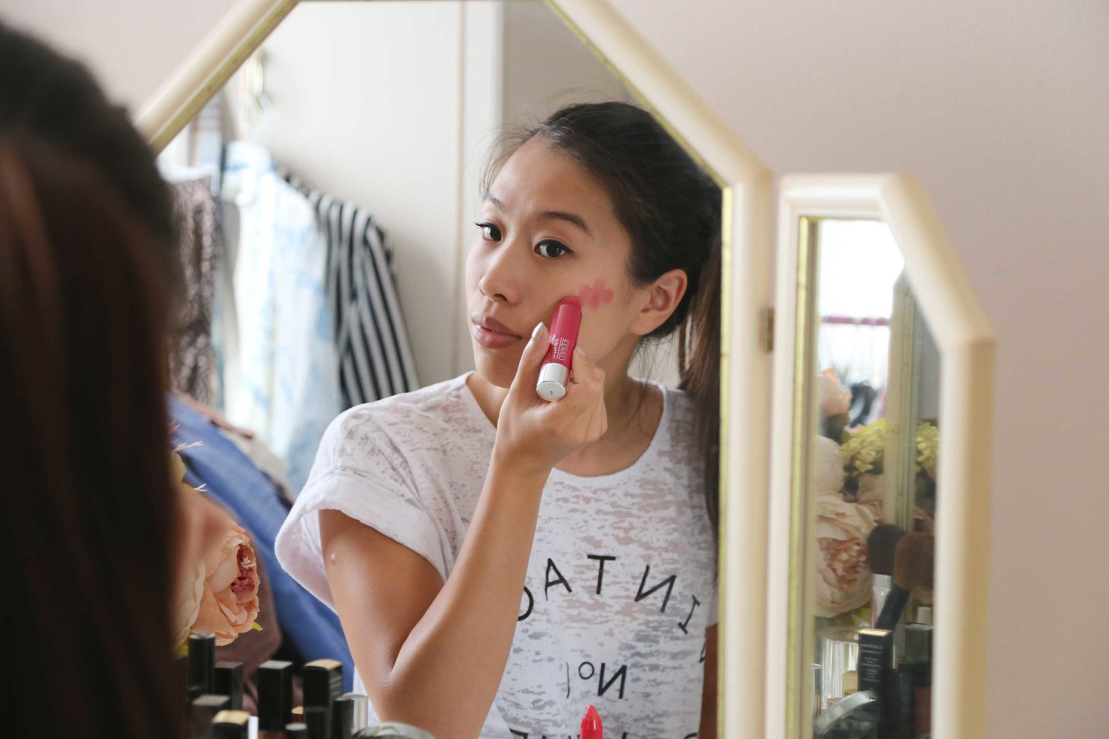 how-to-apply-clinique-chubby-stick-cheek-balm-roly-poly-rosy