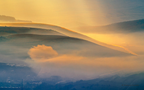 morning fog sunrise nikon noflash romania nikkor v1 cluj clujnapoca 480mm 180mmf28d clujcounty