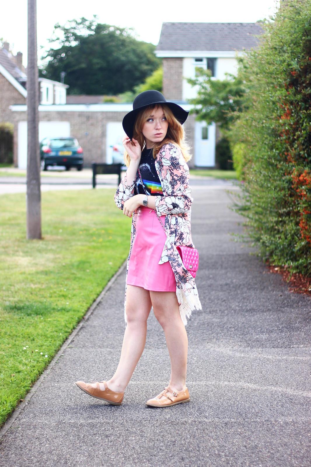 2pinkfloydtee, band tee pink skirt outfit, style, boho