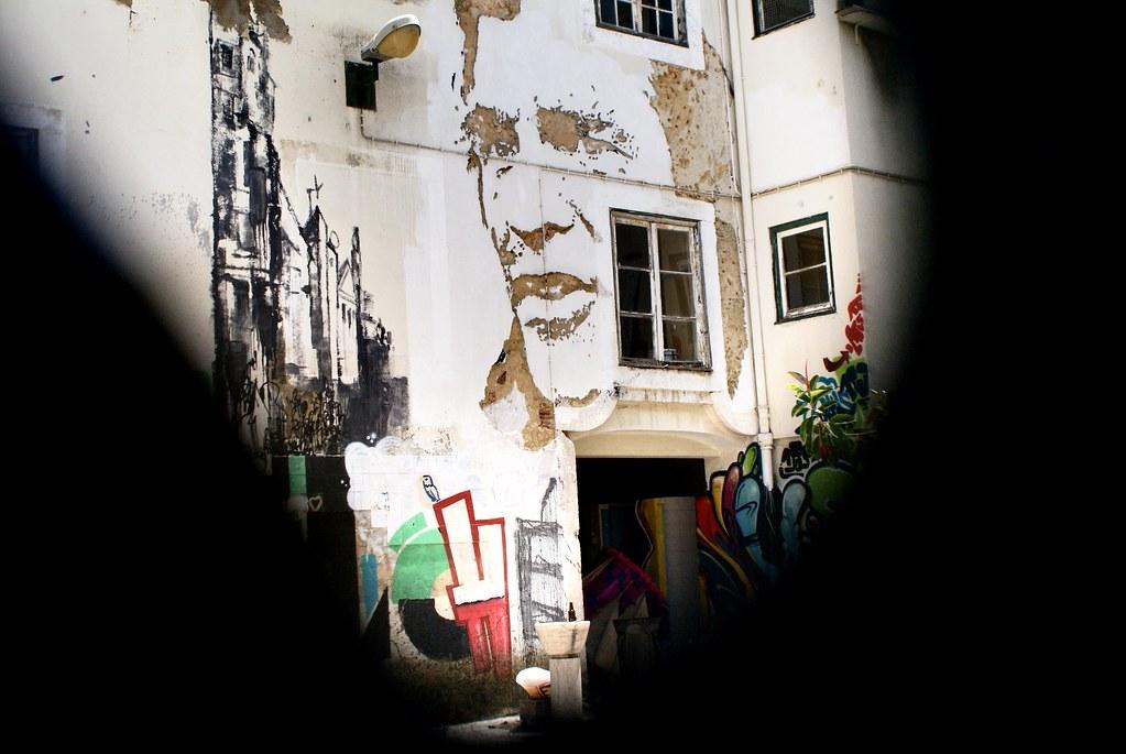Street art de Vilhs à Lisbonne.