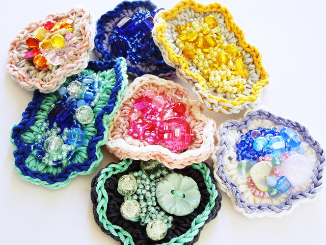 Beaded crochet brooches - Handmade by TwinkleShine on Etsy
