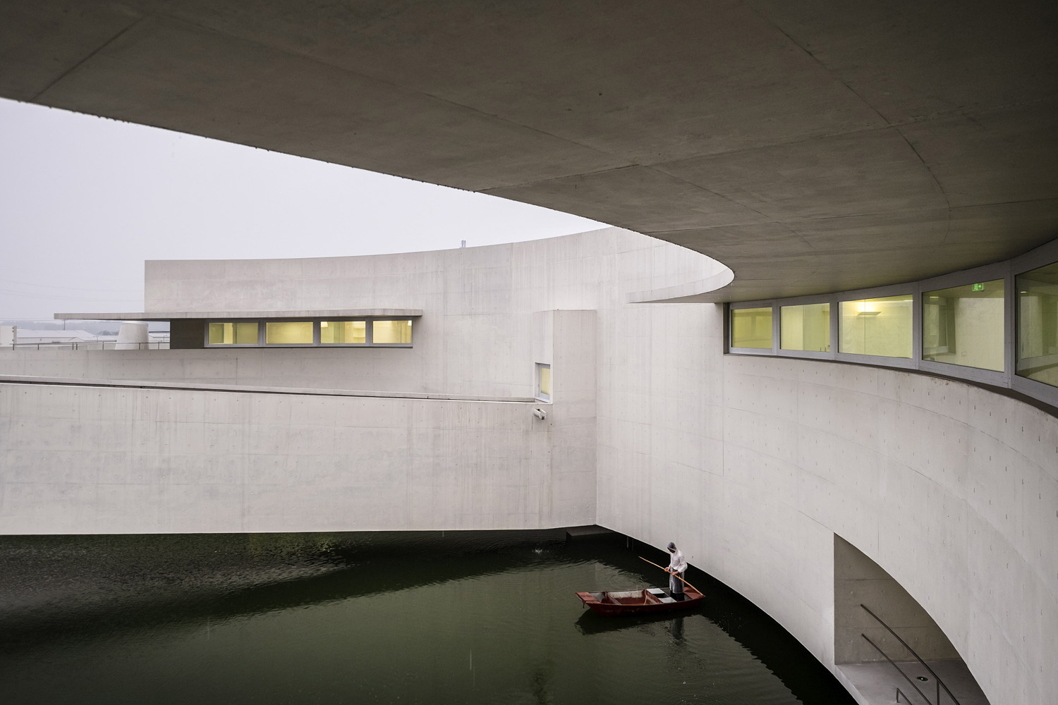 mm_The Building on the Water design by Álvaro Siza + Carlos Castanheira_24