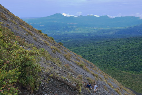 people latinamerica nature trekking walking outdoors volcano hiking climbing elsalvador centralamerica centroamerica izalco volcanizalco