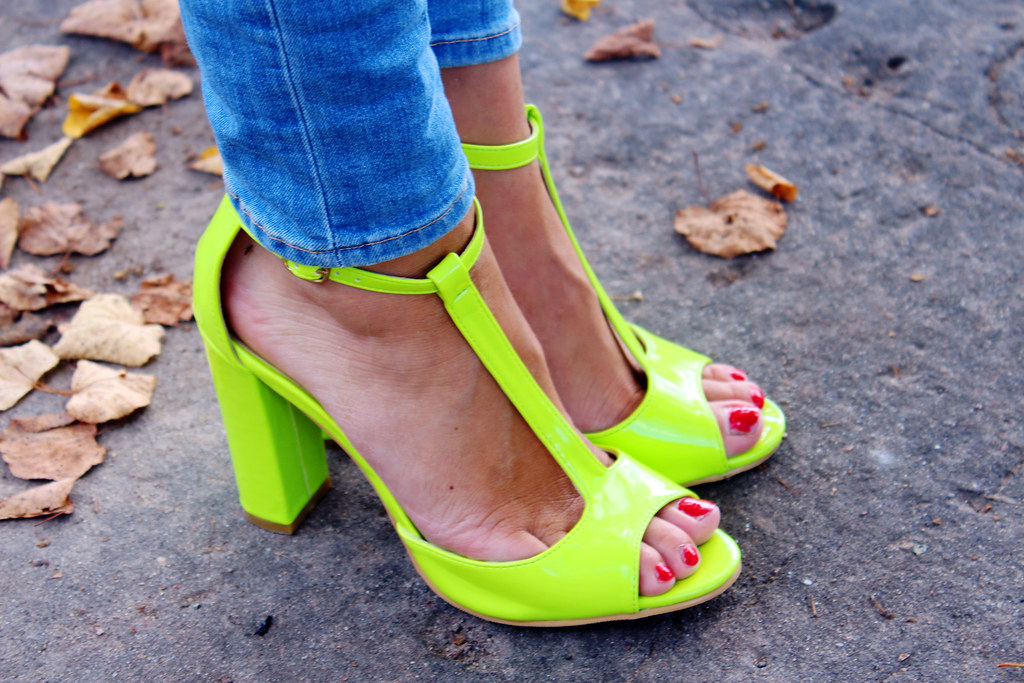 neon-green-yellow-heels