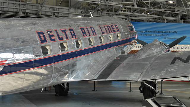 Delta Douglas DC-3-357