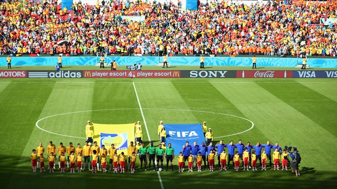 140618_AUS_v_NED_2_3_players_line_up_HD