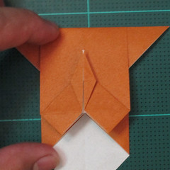 วิธีพับกระดาษเป็นที่คั่นหนังสือรูปหมาบูลด็อก (Origami Bulldog Bookmark) 012