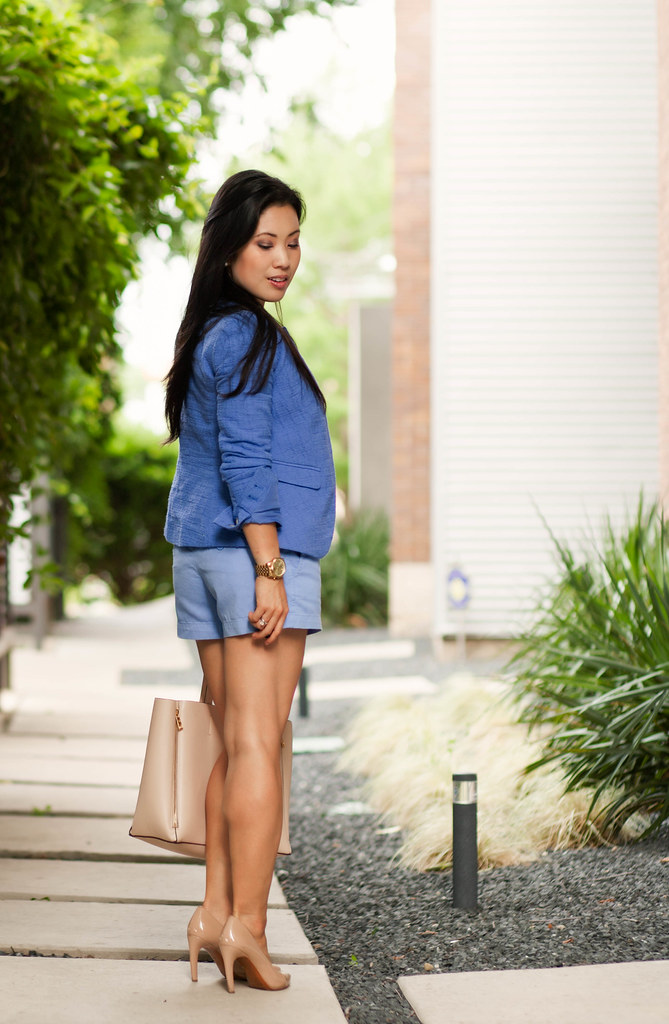 cute & little blog | petite fashion | light blue shorts suit, loft blue blazer, blue shorts, yellow belt, nude pumps, stella dot trinity pendant | summer outfit
