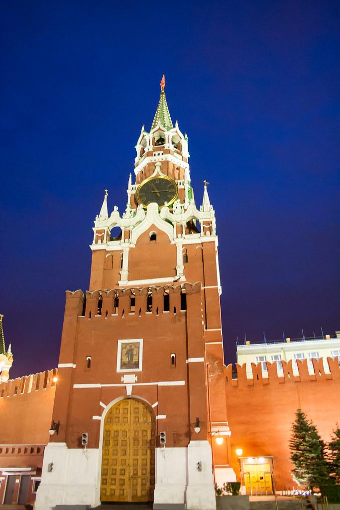 Москва. Полуношная. Спасская башня
