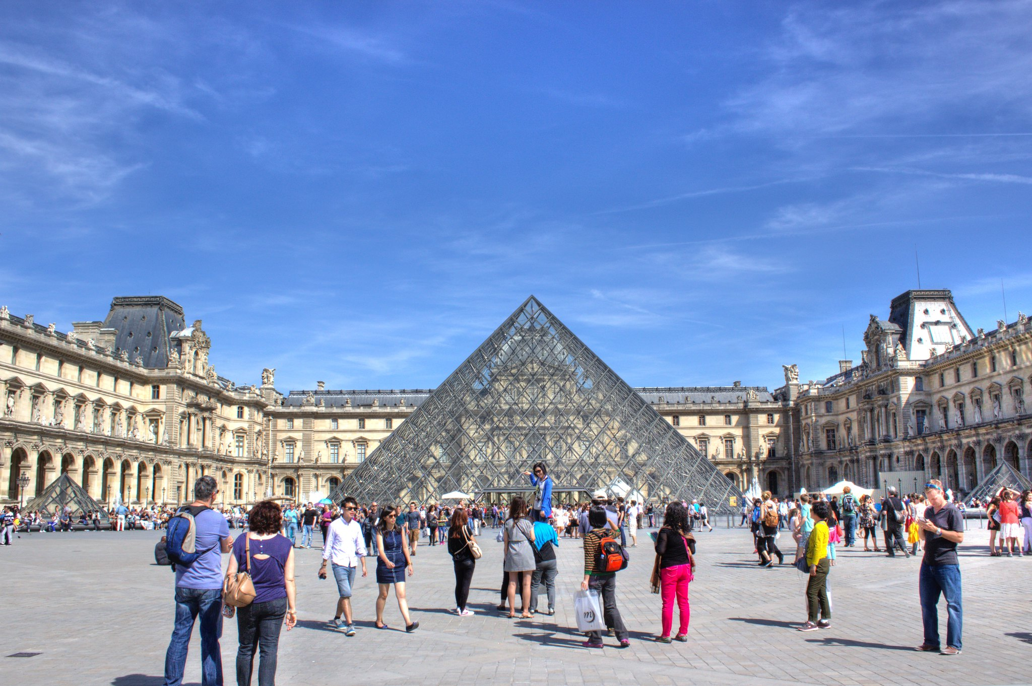 la cour carr e et la pyramide du louvre flickr photo sharing. Black Bedroom Furniture Sets. Home Design Ideas