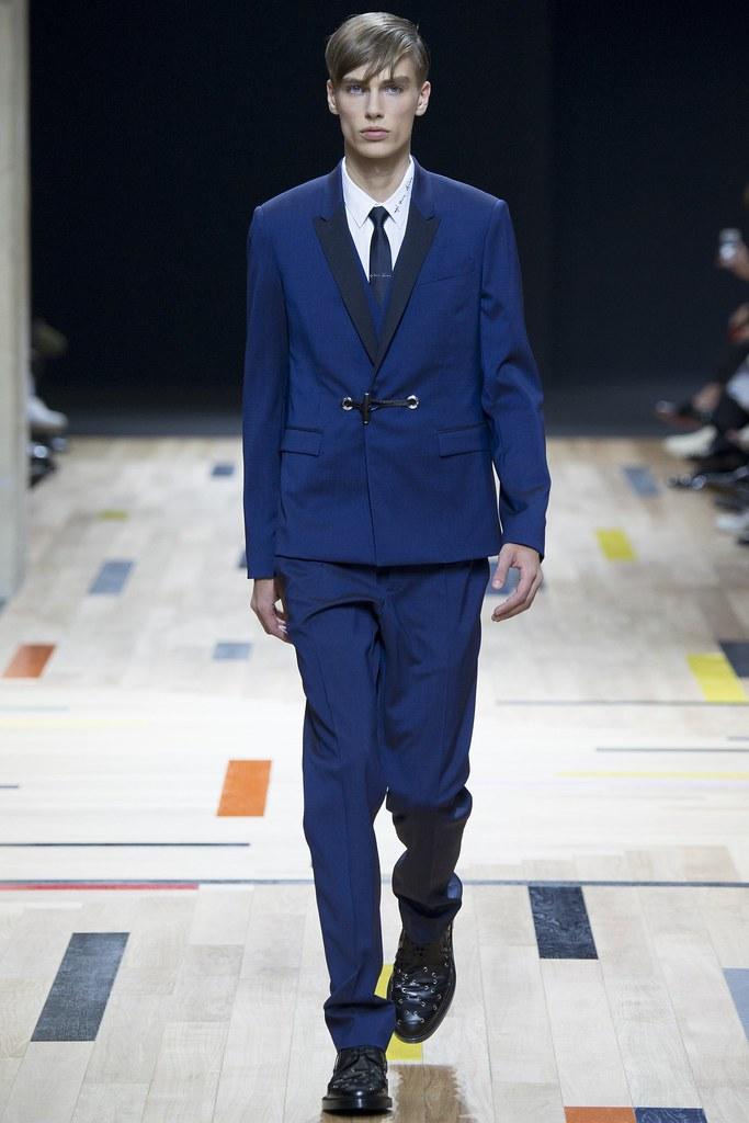 SS15 Paris Dior Homme003_Marc Schulze(VOGUE)