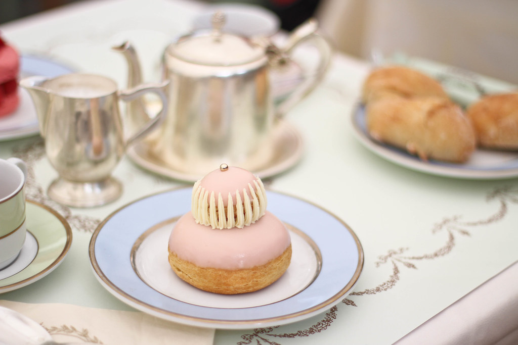 Laduree Champs Elysees-12.jpg