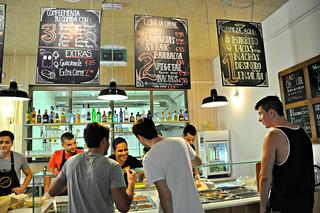 http://hojeconhecemos.blogspot.com.es/2014/07/eat-tierra-burrito-bar-madrid-espanha.html