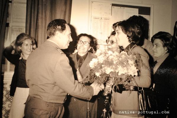 19 - 25 апреля 1974 года - революция гвоздик в Португалии - Каштелу Бранку