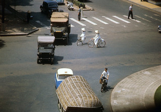 SAIGON 1963 - Lam Son Roundabout - Photo  by Marv Godner