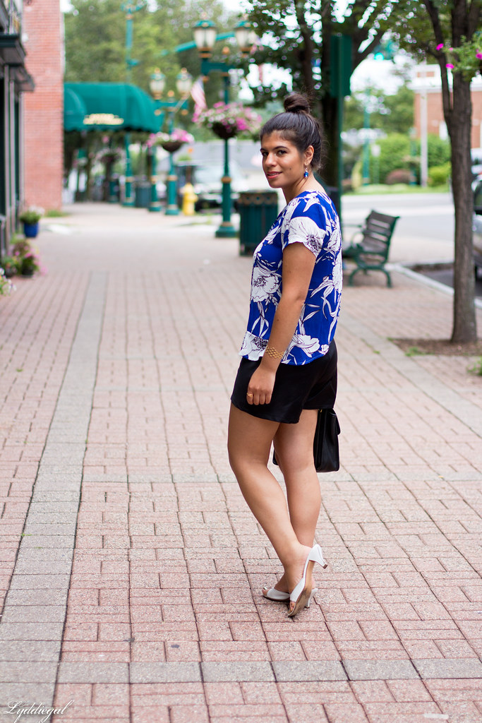 blue and white floral blouse, black shorts-3.jpg