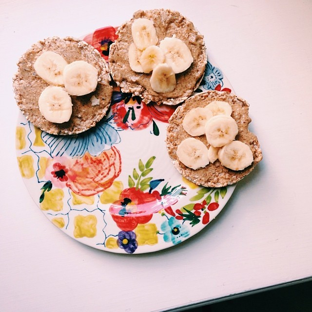 Post-workout: Buckwheat cracker, almond butter, banana