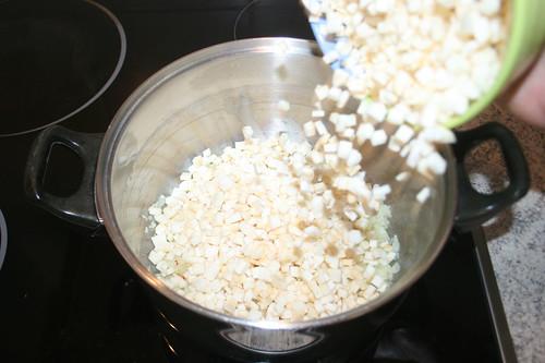 25 - Knollensellerie hinzufügen / Add celeriac
