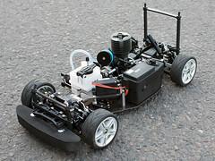 Ferngesteruertes Auto (Benziner) ohne Karosserie