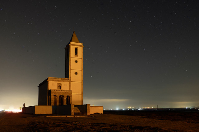 Noche en la iglesia de las Salinas | Night at the Salinas church