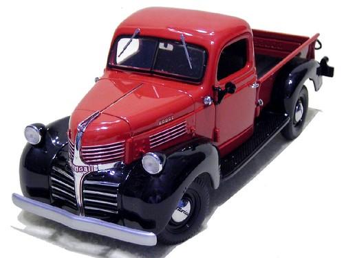 07 Ertl Dodge 1947