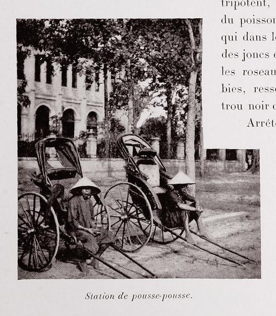 1901 - Station de posse-pouse. Bến xe kéo phía trước nhà cha xứ Nhà thờ Đức Bà