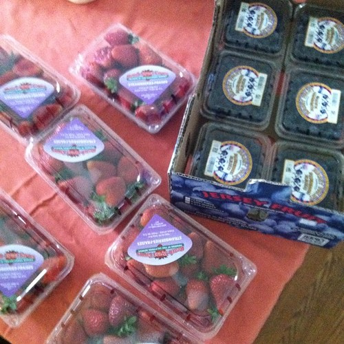 A lot of work to do: $.99 strawberries and blueberries from #aldis