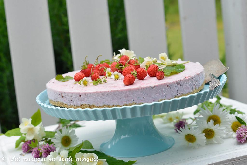 maasikajäätise kook