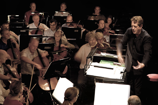 Barry Wordsworth conducting the Orchestra of the Royal Opera House