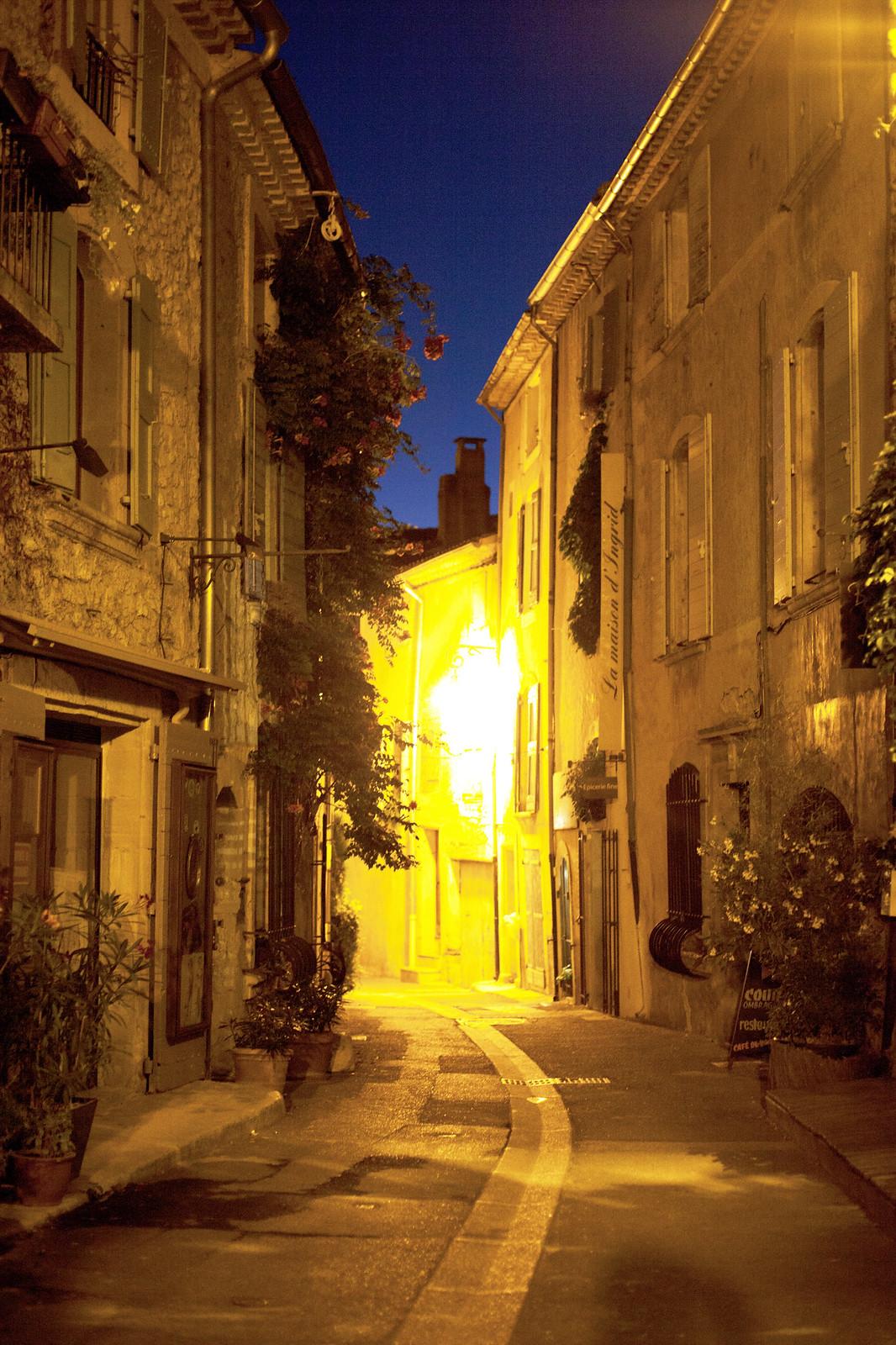 Lourmarin at night
