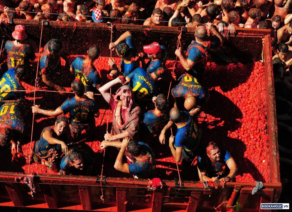 La Tomatina - Buñol, Spain 2