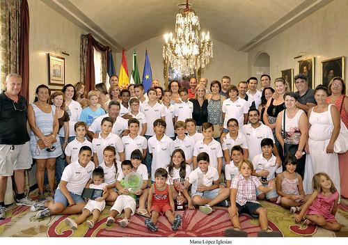 Alcaldesa recibe equipo waterpolo Club Natacion Jerez _ 02