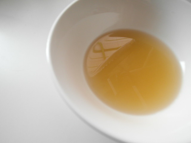 解凍加熱後的湯,非常清澄透明@田記滴雞精