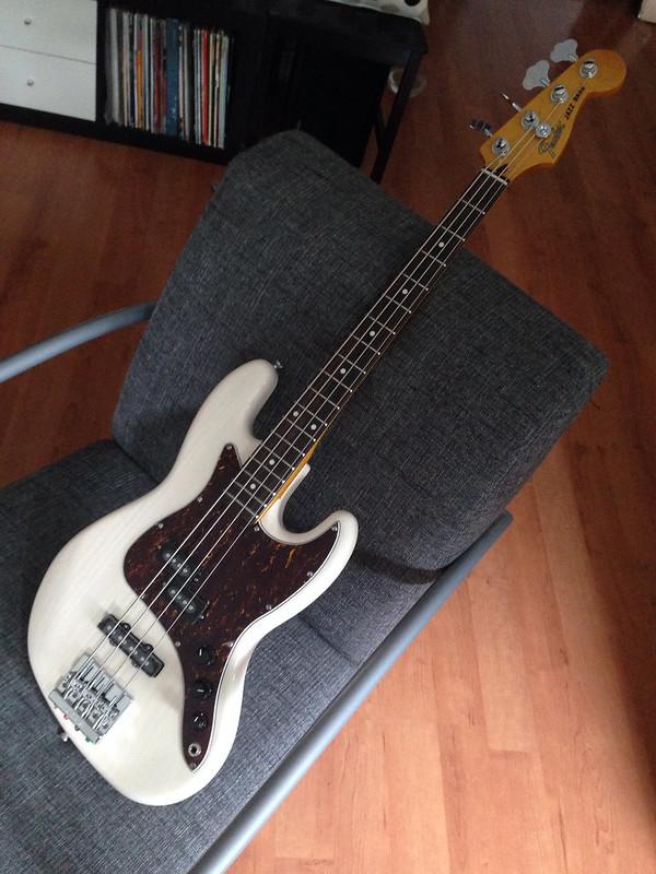 fender modern player short scale jazz bass pj page 5. Black Bedroom Furniture Sets. Home Design Ideas