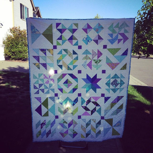 All finished!!! Actually finished for awhile but I haven't been able to elicit anyone over 4 feet tall to help me photograph it! #dogoodstitches #trustcircle #charityquilting