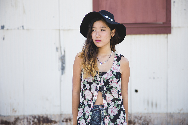 floral maxi dress, kimono vest, platforms, jeffrey campbell tardy, concho hat, abandoned building photoshoot, abandoned building, vant jag, vant jag psychedelic triangle bib