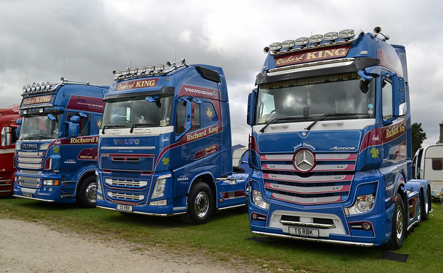 Richard King - Scania R730 V8 Topline, Volvo FH13 Globetrotter XL 500 & Mercedes Benz Actros 2551 Gigaspace