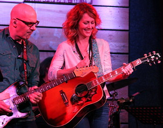 Kenny Greenberg Allison Moorer smile 2