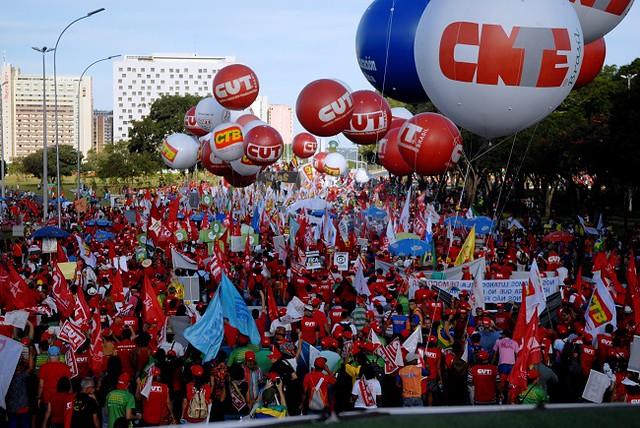 A paralisação vai durar inicialmente 10 dias e, no dia 25 de março, o movimento vai avaliar a continuidade das mobilizações - Créditos: CNTE
