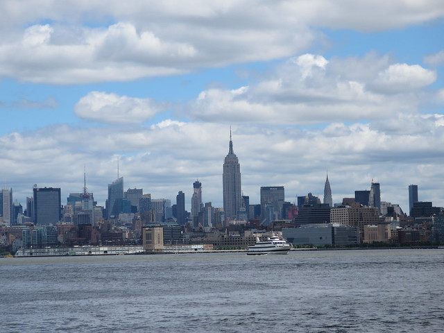 Mid Manhattan Midday