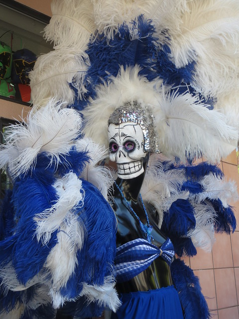 Day of the Dead Skull Woman Manikin Photo by Sherrie Thai of ShaireProductions.com