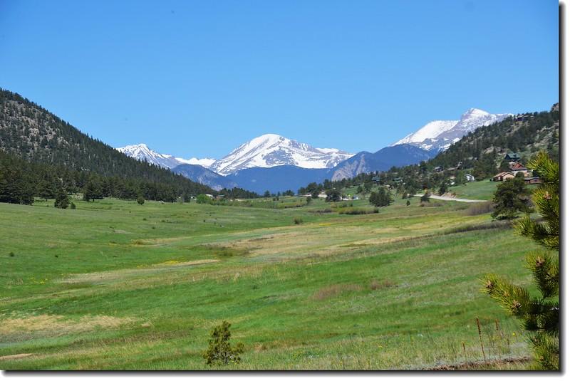 US-36 HWY遠眺國家公園內的Mummy Range