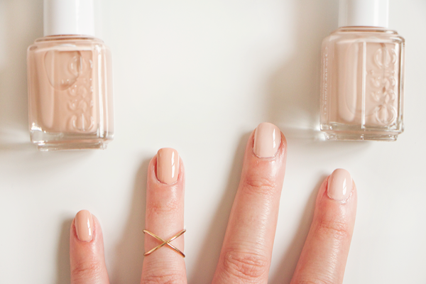 sparklyvodka: New Nails: Essie Nudes